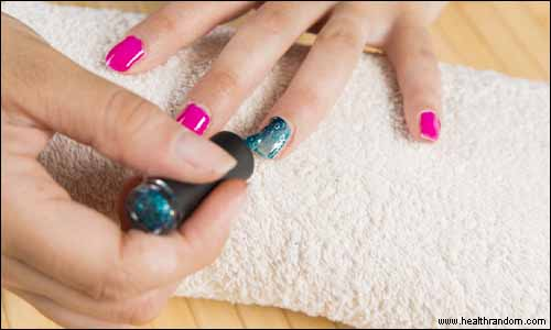 paint your nail yourself